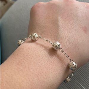 Jewelry - circle bracelet